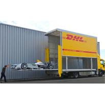 40 гоночных болидов DHL доставила в Москву на первый в истории автоспорта чемпионата  FIA  Формула Е